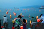 Floating-of-lanterns.jpg